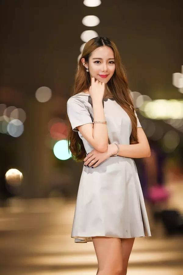 """Sie ist Fräulein Zi → _ → """"Hong Kong-Modell""""》》 Oubao F1-400 schießen"""